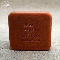 Peelingseife mit Arganöl und dem Duft der Rose