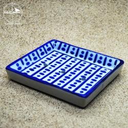 Seifenablage mit blauen Punkten